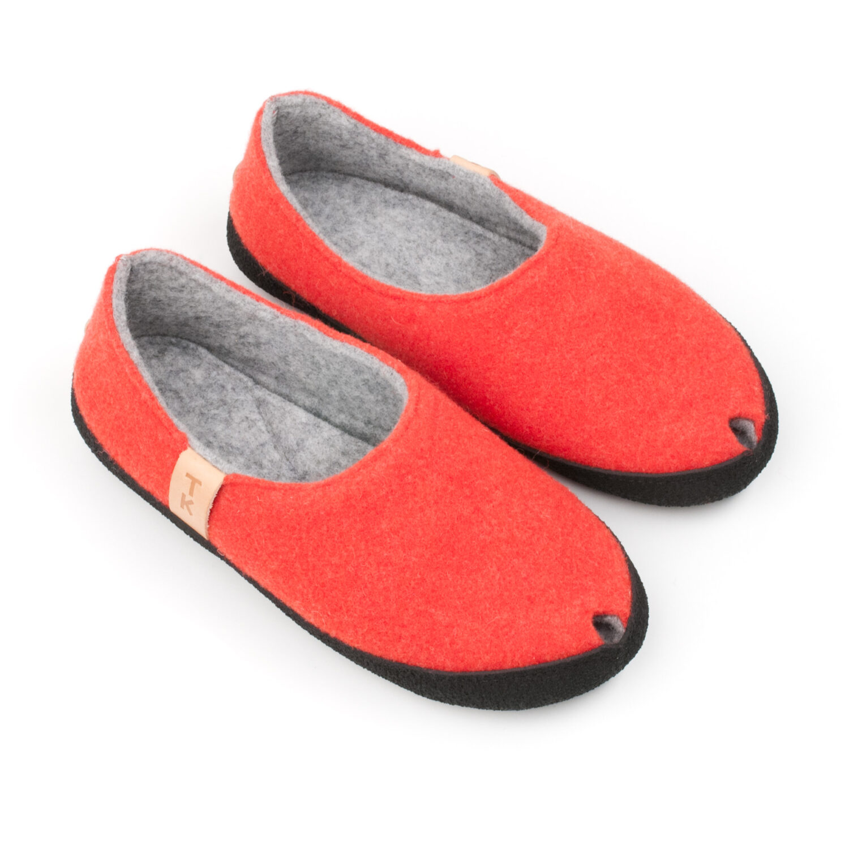 Toku-Budapest-indoor-slippers-v12
